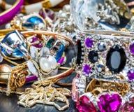 Le bijou de femmes à la mode Photographie stock
