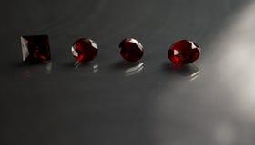 Le bijou ou les gemmes sur la couleur noire d'éclat, studio a tiré de la belle gemme Photos libres de droits