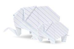Le blanc de deux éléphants d'origami réutilisent le papier Photographie stock libre de droits