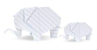 Le blanc de deux éléphants d'origami réutilisent le papier Images libres de droits