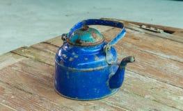Le bleu de bouilloire intervient Photo libre de droits