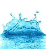 le bleu de fond suscite le blanc de l'eau Image stock