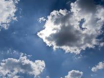 le bleu opacifie le ciel Photos libres de droits