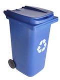Le bleu réutilisent la poubelle de Wheelie Photo stock