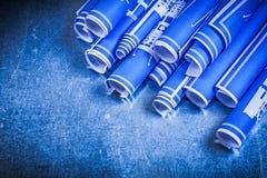 Le bleu a roulé des modèles sur le conce métallique de construction de fond Photographie stock