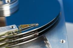 Le bloc affiche la tête de lecteur de disque dur magnétique Image stock
