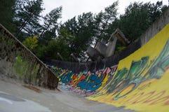 Le bobsleigh olympique abandonné de Sarajevo et Luge voie, Bosnie Photographie stock