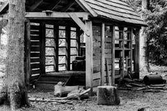 La hutte en bois. Images libres de droits