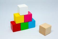 Le bois joue le cube Photo stock