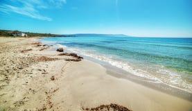 Le Bombarde海滩海岸线 免版税库存照片