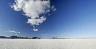 le bonneville opacifie des appartements au-dessus de sel Utah image stock