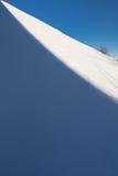 Le bord de l'ombre et lumière sur la colline photographie stock