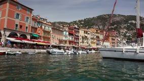 Le bord de mer, Villefranche-sur-Mer, département d'Alpes Maritimes dans le ` Azur de Cote d de la Côte d'Azur banque de vidéos