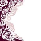 Le bord est décoré des roses de fleurs Photo stock
