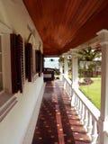 Le Bornéo. Vieille véranda coloniale Image libre de droits