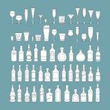 Le bottiglie ed i vetri allineano l'illustrazione nera di vettore dell'insieme dell'icona Celebrazione di festa Bevande dell'alco illustrazione vettoriale