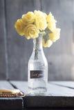 Le bouquet avec rose et le lettrage vous remercient Photographie stock