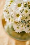 Le bouquet blanc et jaune de mariage dans la nature, le jour de valentines et la célébration aiment Photographie stock