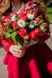 Le bouquet de jeune mariée, naturel, s'est levé, dénomme, se rassemble, des vacances, couleur, jour photo libre de droits