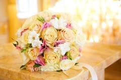 Le bouquet de la belle mariée Image libre de droits