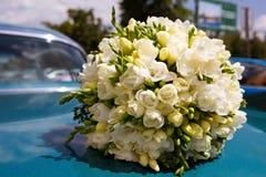 Le bouquet de la belle mariée Photo stock