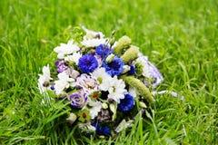 Le bouquet de la belle mariée Photographie stock