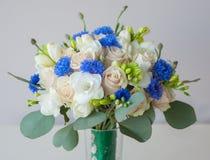Le bouquet de la jeune mariée Photo libre de droits
