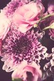 Le bouquet du rose fleurit le plan rapproché, l'eustoma et le chrysanthème Image libre de droits