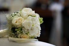 Le bouquet du ` s de jeune mariée photographie stock libre de droits
