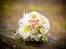 Le bouquet nuptiale en été images libres de droits