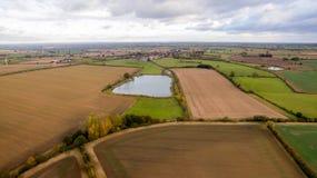 Le bourdon a tiré d'un lac dans la campagne de Leicestershire Photographie stock