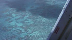 Le bourdonnement aérien a tiré pris de l'hélicoptère du récif externe de récif de grande barrière clips vidéos