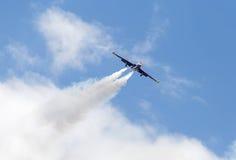 LE BOURGET FRANKRIKE - Juni 25, 2017: flygplan i himmel Arkivfoto