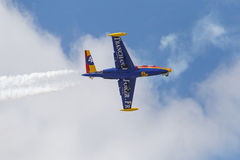 LE BOURGET FRANKRIKE - Juni 25, 2017: flygplan i himmel Fotografering för Bildbyråer