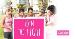 Le bouton d'en savoir plus avec joignent le texte de combat et les femmes roses de conscience de cancer du sein tenant la carte Photo libre de droits