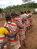 Le braccia tribali di collegamento delle donne per la raccolta di Gdaba ballano Fotografia Stock Libera da Diritti