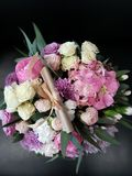 Le bride& x27 ; bouquet de s Photos libres de droits