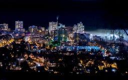 Le brouillard couvre la ville Photographie stock libre de droits