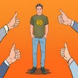 Le bruit Art Young Man Wearing dans le T-shirt avec la copie de Bitcoin et les pouces lèvent des mains Cryptos affaires de devise Images libres de droits