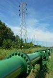 Le Brunei. Pipe de pétrole brut Photographie stock libre de droits