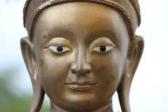 le Buddha& x27 ; sculptuer de s, visage Photo stock