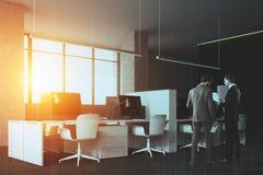 Le bureau de l'espace ouvert, gris mure la vue de côté modifiée la tonalité Image stock
