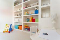 Le bureau des enfants confortables image libre de droits