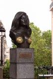Le buste du chanteur Dalida dans Montmartre photo stock