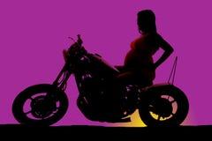 Le côté de femme enceinte de silhouette reposent des hanches de bras Images libres de droits