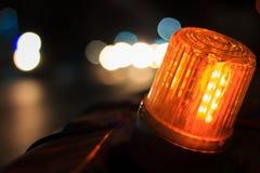 Le côté de signal de LED de la route est en construction Image stock