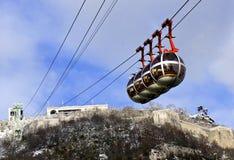 Le cabine di funivia iconiche di Grenoble Immagine Stock