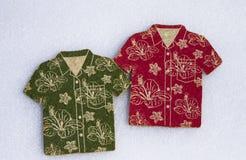 Le caboteur pour la chemise hawaïenne de plaisir imprime le style images stock