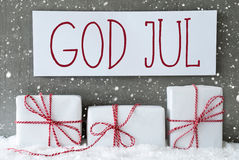 Le cadeau blanc avec des flocons de neige, Dieu juillet signifie le Joyeux Noël Photos stock