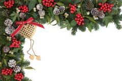 le cadre de fond enferme dans une boîte les bandes d'isolement d'or de cadeau de Noël blanches Image libre de droits